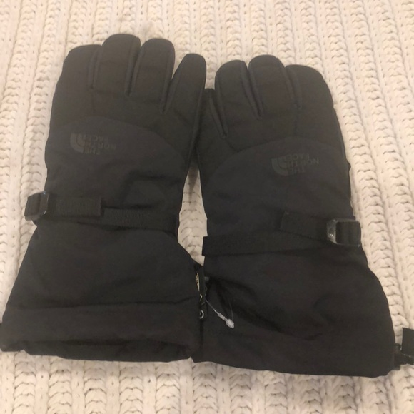10cbbbf99 NWOT North Face winter gloves men's size small